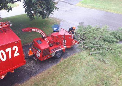 Déchiquetage de branches - Abattage d'Arbres Expert (Émondeur Lanaudière)